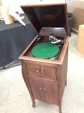 Antique Victrola Pack and Ship